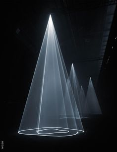 Anthony McCall Installation, WGSN
