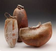 ceramics, hand built organically-themed works that engage a sense of rhythm, flow, grace and balance – oceans in clay. Ceramic Clay, Ceramic Pottery, Pottery Art, Slab Pottery, Thrown Pottery, Pottery Studio, Ceramic Bowls, Kintsugi, Earthenware