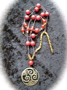 """Halsband """"Boho 4"""" - Långt guld/rött halsband med a..."""