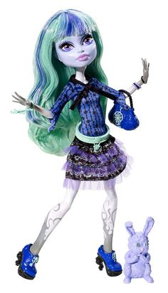 Twyla - Monster High Doll - MH - 13 Wishes BUT 2 me she is the real Maddie Hatter, or rather Mentha Hatter. Because I don't want to begin buying EAH dolls, too - besides I don't like their faces. Mentha will get hats and new homesown clothes and a dollshouse of her own.