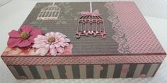 Porta Jóias MDF decorada no estilo ScrapDecor Decoupage Vintage, Decoupage Glass, Cigar Box Art, Cigar Box Crafts, Pretty Box, Dyi Crafts, Altered Boxes, Painted Boxes, Wood Gifts