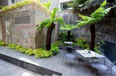 London garden | Tom Stuart-Smith