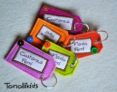 Best 11 felt tag for school Felt Diy, Felt Crafts, Keychain Diy, Sewing Projects, Craft Projects, Art N Craft, Science Projects, Spring Crafts, Fabric Samples