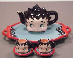 Awe I had this too, my hubby got it for me. Now thats left is the lil pot # Betty Boop tea set