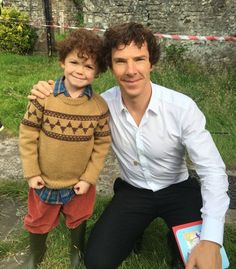 Tom Stoughton (mini Sherlock) gives Benedict a birthday card