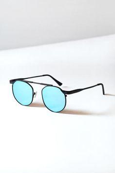 Matte Black Round Metal Sunglasses   #retrosunglasses #reflectivesunglasses #roundsunglasses