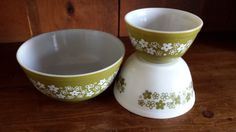 Pyrex Spring Blossom Vintage Mixing Bowl Set of 3 by ThatOneThing on Etsy