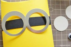 DIY Minion Goggle Tutorial