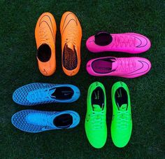 2014 cheap nike shoes for sale info collection off big discount.New nike roshe run,lebron james shoes,authentic jordans and nike foamposites 2014 online. Soccer Gear, Soccer Boots, Football Shoes, Nike Soccer, Nike Football, Soccer Cleats, Soccer Girls, Soccer Stuff, Rugby Gear