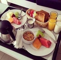 66 new ideas for brunch cafe food Breakfast Platter, Breakfast Recipes, Breakfast Healthy, Morning Breakfast, Breakfast Dishes, Café Brunch, Romantic Breakfast, Good Food, Yummy Food
