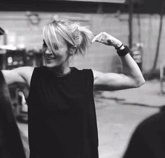 //open// 9pm workouts don't seem to be very popular. Casey realizes this as she walks into the empty gym and sets down both a car seat and diaper bag near a treadmill. The blonde puts in her headphones and starts the machine quietly.