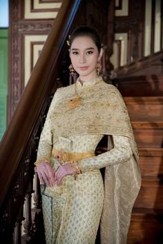 Beautiful, elegant with its own National Flavour. Posted by Sifu Derek Frearson Traditional Thai Clothing, Traditional Fashion, Traditional Outfits, Thai Wedding Dress, Thailand Fashion, Thai Fashion, Women's Fashion, Bride Suit, Collection 2017