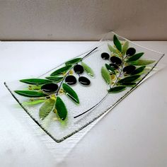 Fused Glass Plates, Fused Glass Art, Glass Bowls, Glass Fusion Ideas, Melting Glass, Glass Fusing Projects, Kiln Formed Glass, Glass Wall Art, Glass Flowers
