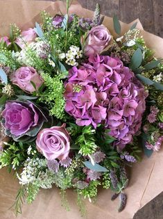 Memory lane roses, ornamental cabbages, hydrangea and astrantia made by Alice Fresh Flowers, Spring Flowers, Beautiful Flowers, Deco Floral, Arte Floral, Bouquet Champetre, Ornamental Cabbage, Floral Bouquets, Flower Decorations