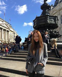 Jessica Jung talks about Tiffany's solo and Girls' Generation – KPOP Vitamin Jessica Grace, Jessica & Krystal, Krystal Jung, Mamamoo, Fashion Line, Daily Fashion, Women's Fashion, Korean Fashion, Snsd