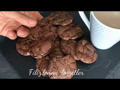Best All Time Cake : 3 How to make brownie-looking souffle-like cookies with ingredients? Easy Cake Recipes, Cookie Recipes, Dessert Recipes, Desserts, How To Make Brownies, Health And Fitness Expo, Cold Appetizers, Wie Macht Man, Starbucks Recipes