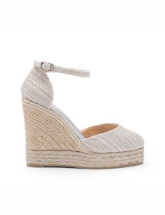 Zapato de Castañer - CARISSA  #wedding #bodas #boda #bodasnet #decoración #decorationideas #decoration #weddings #inspiracion #inspiration #photooftheday #love #beautiful #groom #awesome #shoes #white #blue #sandal #highheels #sneakers #tacones #zapatos Jute, Espadrilles, Wedding Shoes, Marie, Bridal, Footwear, Wedges, Beautiful, Womens Fashion
