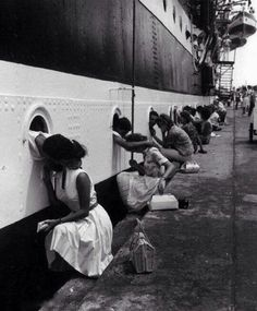 The lаst kiss a picture of men shipping off for World War Il