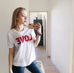 Moma, Youtubers, Idol, Celebrity, Women's Fashion, T Shirts For Women, Hair, Whoville Hair, Fashion Women