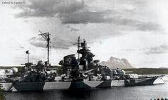 The History of Bismarck and Tirpitz Bismarck Ship, Midget Submarine, Dazzle Camouflage, German Submarines, Ww2 Pictures, Navy Ships, Royal Navy, War Machine, Water Crafts