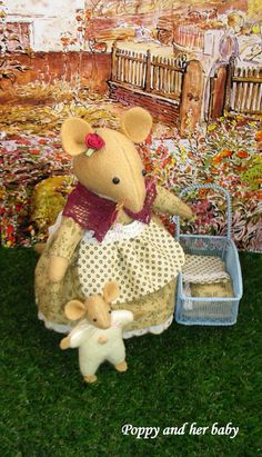Poppy mouse and her baby       Inspired by by dollsandbunnies, $49.50