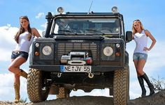 Ladies Posing with Land Rover Defender ★