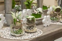 Výsledek obrázku pro Willeke-Floristik Centerpieces, Table Decorations, Garden Club, Arte Floral, Spring Crafts, Planting Flowers, Floral Arrangements, Diy Home Decor, Floral Design