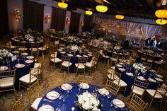 paleta de cores azul marinho, branco e dourado publicada no blog de casamento Colher de Chá Noivas