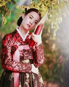✩ GISAENG ✩【기생】Such a beautiful movie about Korean Gisaengs. One of my favorite…