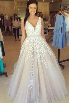 Long Cheap Prom Dress,Lace Prom Dress,sexy Tulle Appliques V-neck Prom Dresses, Formal Evening Gowns, Long Tulle Party Cocktail Dresses