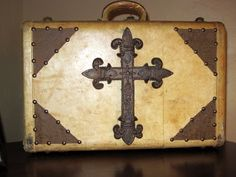 Greene Acres Hobby Farm: Rustic Western Suitcase