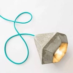 DIY Concrete Lamp Kit Looks Cool, i would try this :) Beton Design, Concrete Design, Diy Design, Lamp Design, Lighting Design, Diy Luminaire, Geometric Lamp, Vintage Industrial Lighting, Outdoor Light Fixtures