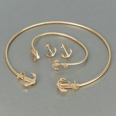 Sea Life Jewelry Set Price is for all 3. Necklace, bracelet and earrings. Gold plated. *There is a chip in the earrings, shown in last picture* Jewelry