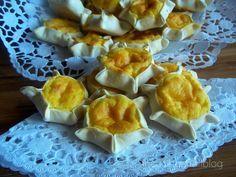 RICOTTELLE ( dolci sardi) Italian Cookies, Custard, Wine Recipes, Sweet Recipes, Yogurt, Food To Make, Sweet Tooth, Muffin, Cheese