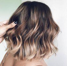 Lovely Spring Hair Color Ideas For Brunettes Medium Hair Styles, Curly Hair Styles, Hair Color And Cut, Spring Hair Colour, Spring Hairstyles, Brunette Hair, Balayage Hair Brunette Medium, Great Hair, Hair Highlights
