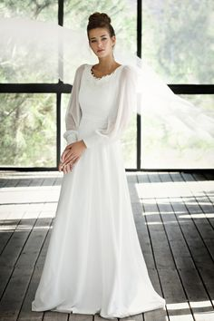 Love these sleeves. Imagining the sleeves with a cowl necked chiffon sheath/a-line. Either that or the *other* one