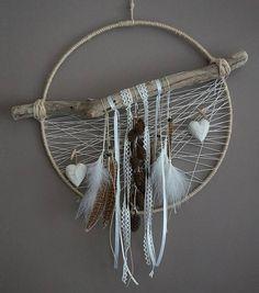 attrape r ves dreamcatcher attrapeur de r ves en bois flott dentelle plumes de paon. Black Bedroom Furniture Sets. Home Design Ideas