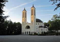 Heilig Landstichting, de Cenakelkerk | by Pierino Smaniotto
