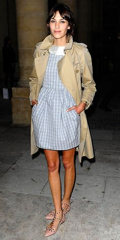 Alexa Chung in Jason Wu and Valentino flats Preppy Style, Her Style, Estilo Preppy, Alexa Chung Style, Fashion Advice, Casual Chic, Celebrity Style, Street Style, Poses