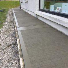 Beautiful Concrete Finishing Ideas - Engineering Discoveries Concrete Patio Designs, Concrete Driveways, Concrete Garden, Diy Planters Outdoor, Outdoor Patio Bar, Driveway Entrance Landscaping, Backyard Landscaping, Concrete Finishes, Concrete Floors