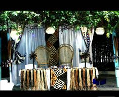 Décoration mariage traditionnel africain African Wedding Theme, African Theme, Ethnic Wedding, Baby Shower Decorations, Wedding Decorations, Table Decorations, Traditional Wedding Decor, African Babies, Afro