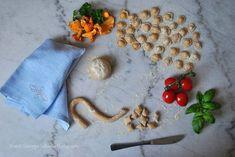 Culinary Calendar Culinary Classes, Made Goods, Easy Dinner Recipes, Italian Recipes, Calendar, Holidays, Cooking, Easy Dinner Recipies, Kitchen