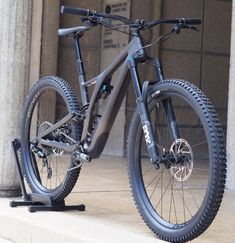 Norco Storm, Motocross, Specialized Stumpjumper, Montain Bike, Mt Bike, Downhill Bike, Lion Pictures, Mountain Biking, Pedal Pushers