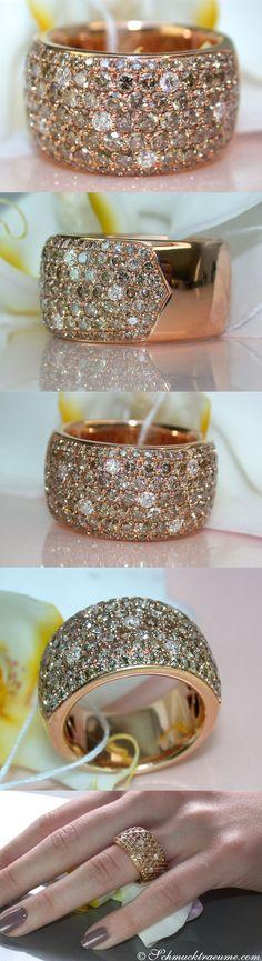 Idée et inspiration Bague Diamant :   Image   Description   Huge Natural Brown Diamond Diamond Ring, 3.38 ct. RG18K – Visit: schmucktraeume.com Like: www.facebook.com/… Mail: info[at]schmucktr…