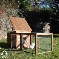 poulailler youmakit Cute Chicken Coops, Diy Chicken Coop Plans, Outdoor Furniture Sets, Outdoor Decor, Hens, Farm Animals, Homesteading, Backyard, Architecture