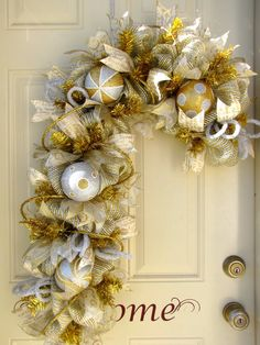 Only One!! XXL Deluxe Christmas Gold and Silver Candy Cane Holidays Indoor Outdoor Deco Mesh Seasonal Wreath!