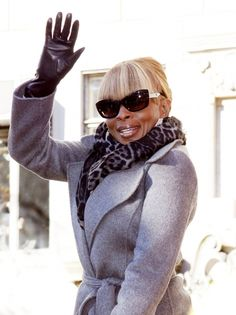Mary J. Blige sports straight, blunt bangs