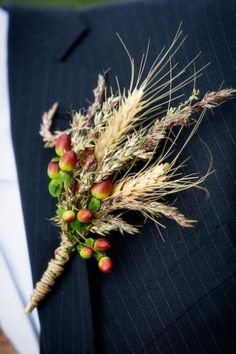 Wheat acorn grasses for groom... well, I don't know about the acorns
