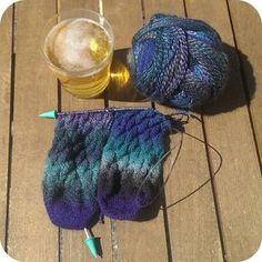 Armiarma: Calcetines tejidos a la vez y desde la puntera hasta el talón