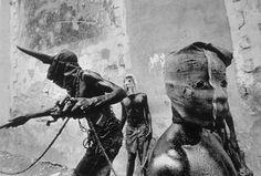 Elisandre - L'Oeuvre au Noir: Culte de Maria Lionza et rituels vaudou en Haïti par Cristina García Rodero